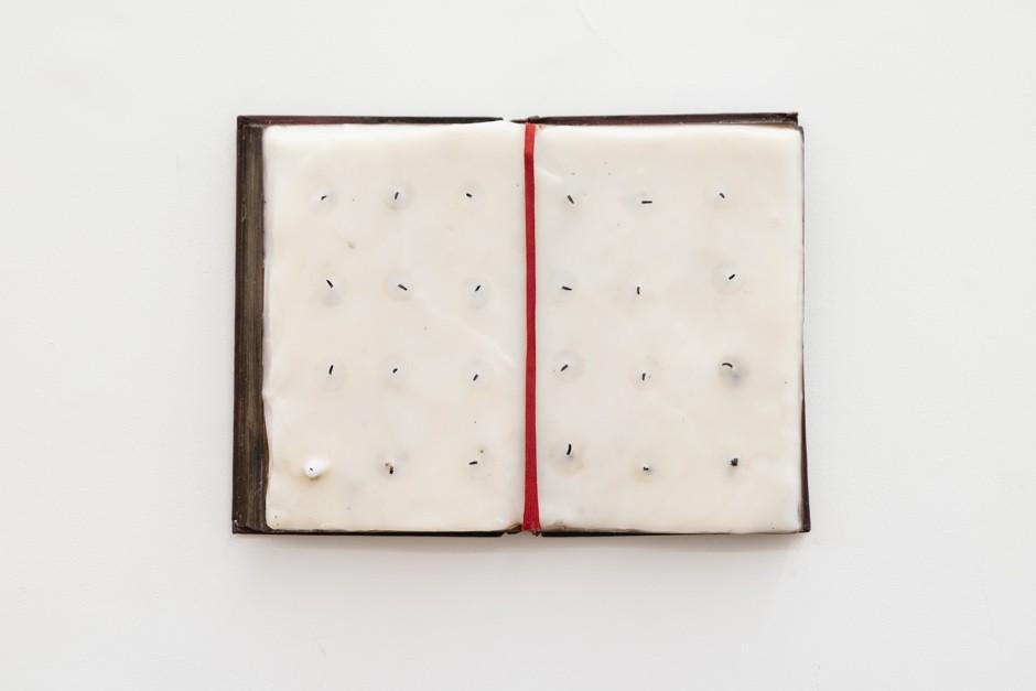 C'era, 2019, wax, 38 x 37 cm - Werther Gasperini