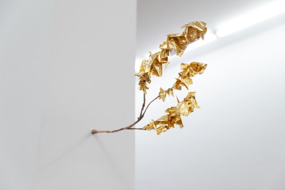 """Detail """"Si sta sugli alberi le foglie d'oro"""""""